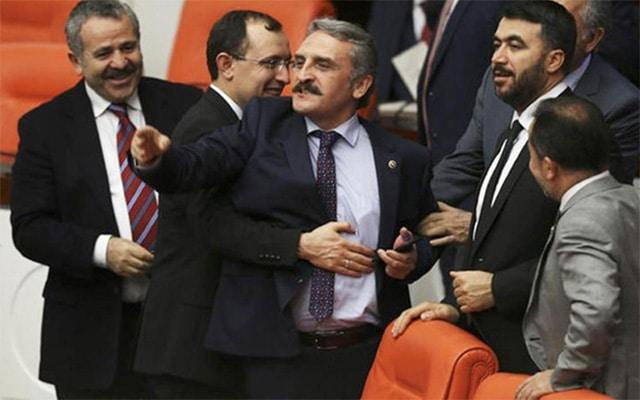 Ak Partili vekil Ahmet Hamdi Çamlı