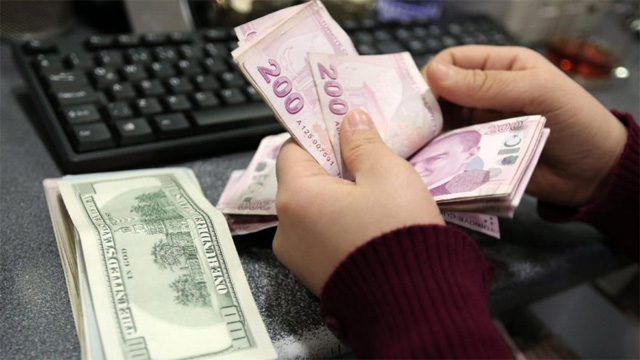 Dolar Kuruna Neler Etki Ediyor?