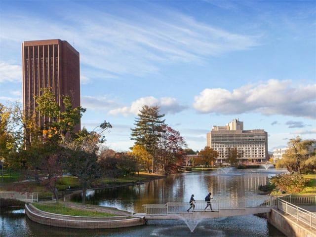 7.Massachusetts Teknoloji Enstitüsü (Massachusetts Institute of Technology)