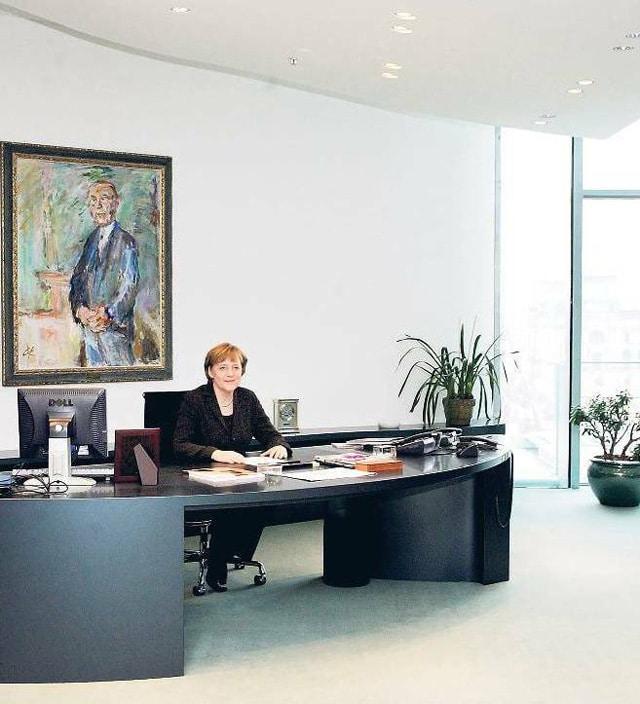 Almanya Başbakanı Angela Merkel'in çalışma odası