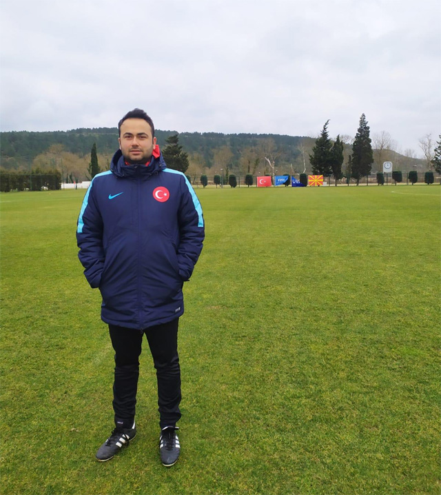 Antrenör Berkcan Biratan
