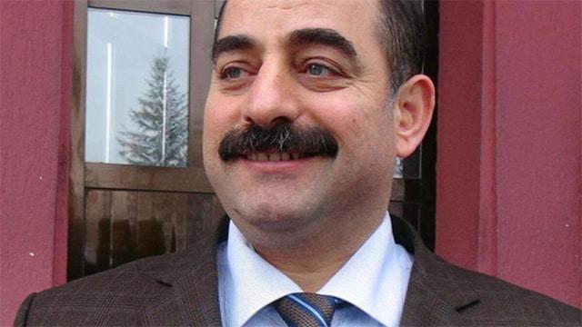 """Almanya'da Zekeriya Öz'e: """"Utanmadan geziyorsun"""" dedi ve saldırdı"""