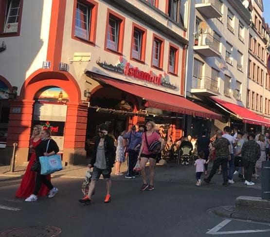 Zekeriya Öz'ün Almanya Mannheim'da girdiği restoran