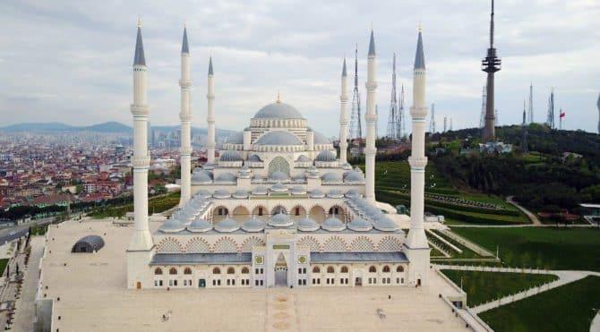 Çamlıca Camii'ne özel metro Resmi Gazete'de
